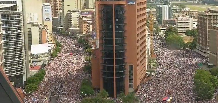 У Венесуелі почалися масові протести проти Мадуро. ФОТО. ВІДЕО