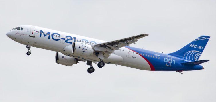 Серійне виробництво нового літака РФ зупинили через санкції