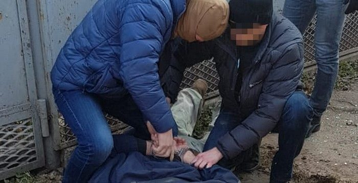 СБУ блокувало  канал через який в Україну постачали складові частини вогнепальної зброї